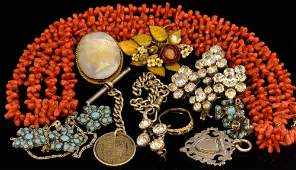 Group of vintage jewellery to include coral necklace