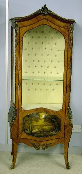 4: Vernis Martin style cabinet