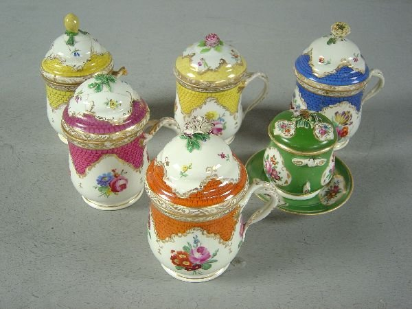 385: Six Vienna jars and covers