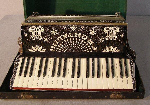 1214: Frontalini accordion