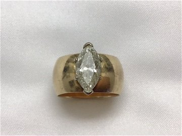 14K GOLD AND DIAMOND MARQUISE RING