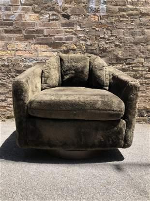 Post Modern Milo Baughman Swivel Club Chair