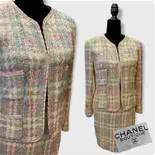 Vintage CHANEL Boutique Pastel Tweed Skirt Suit sz 36