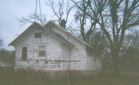 523: ZONED RESIDENTIAL~FIXER-UPPER HOUSE~3 LOTS