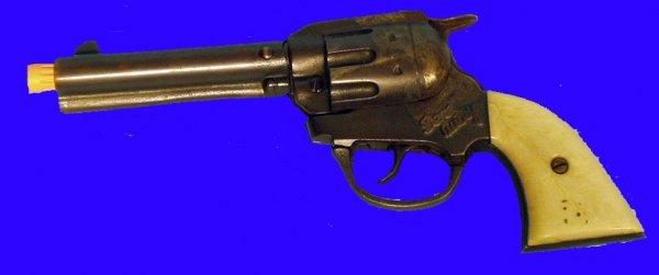 9: GENE AUTRY CAP GUN -