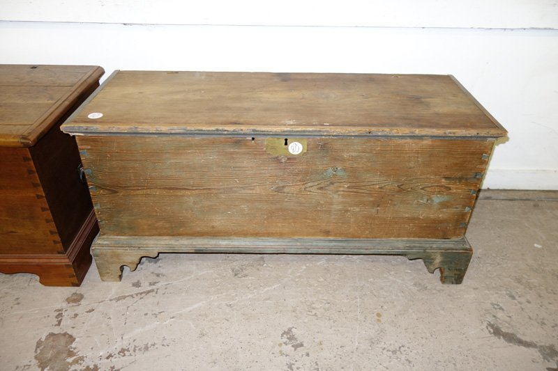 COUNTRY PINE BLANKET CHEST - 2