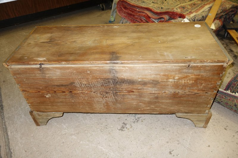 COUNTRY PINE BLANKET CHEST - 6