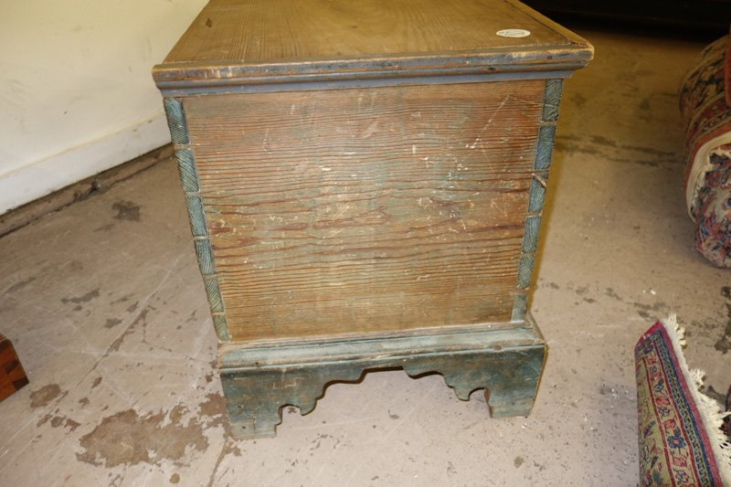 COUNTRY PINE BLANKET CHEST - 7