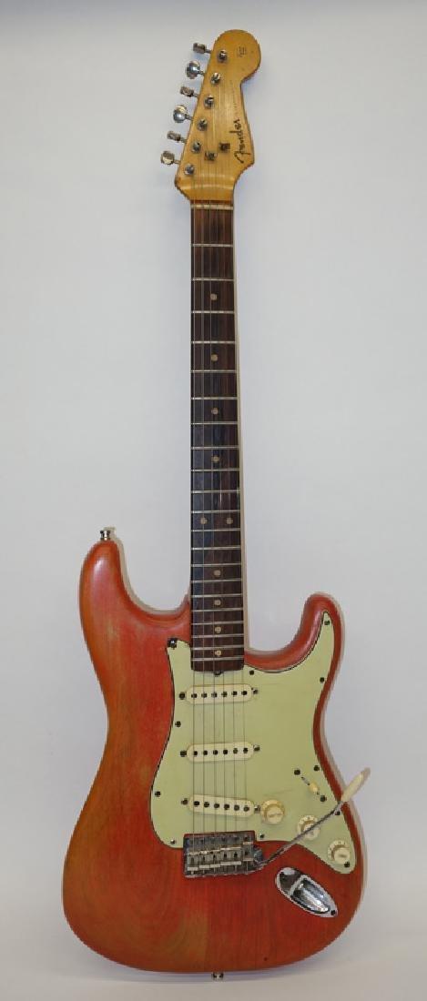 FENDER STRATOCASTER GUITAR #82461