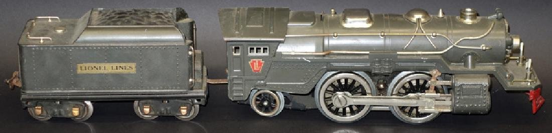 LIONEL ENGINE & TENDER