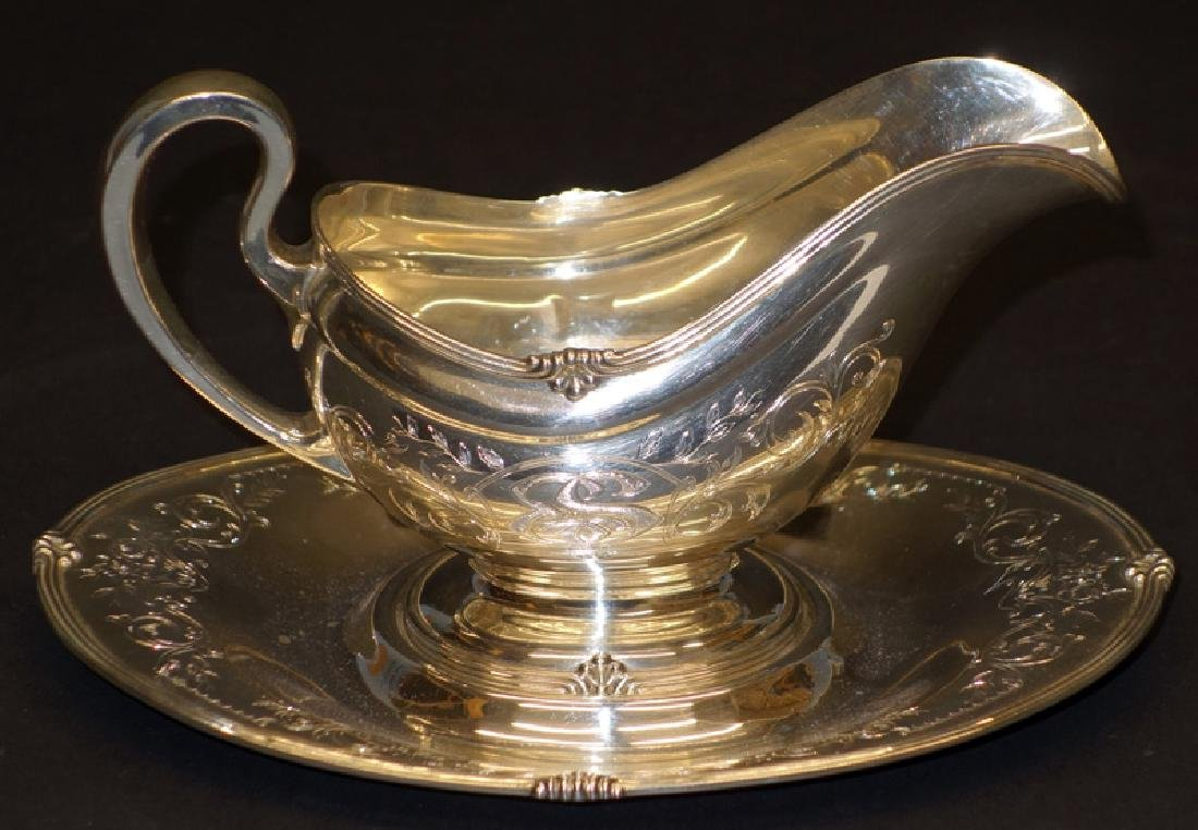 TOWLE STERLING GRAVY BOAT & UNDERPLATE