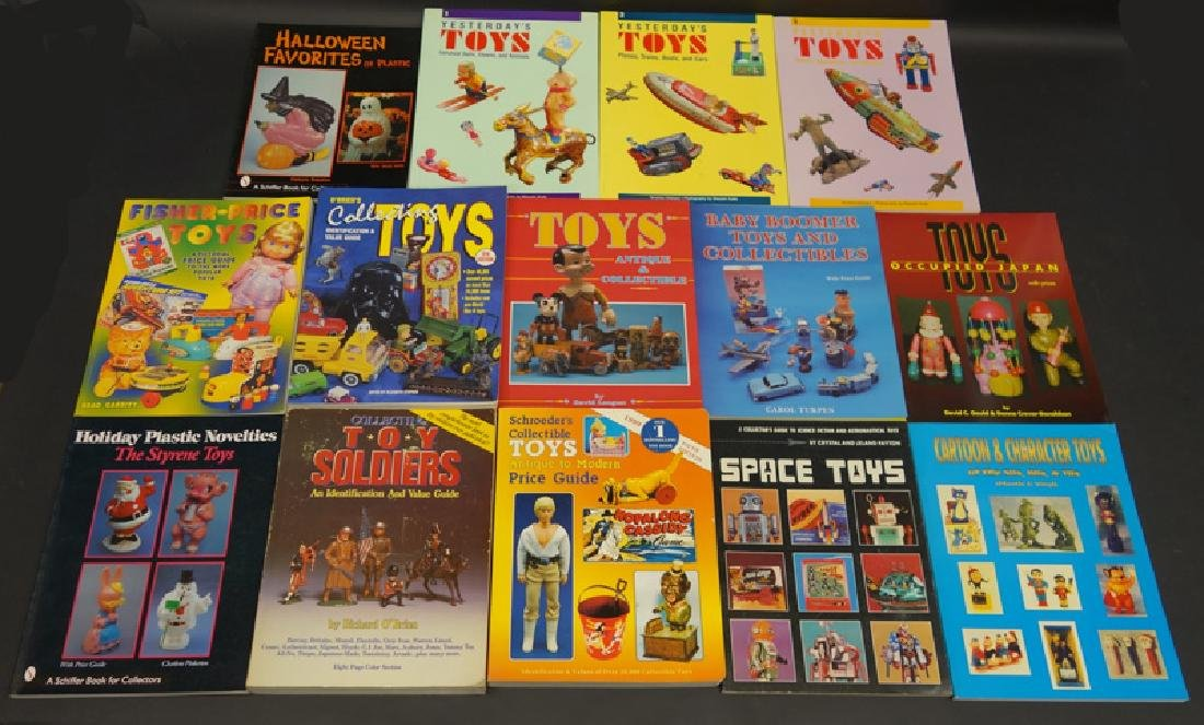 TOY REFERENCE BOOKS (13)