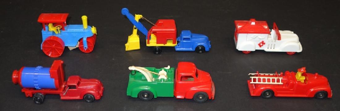 PLASTIC TOY TRUCKS & CONSTRUCTION VEHICLES (6)