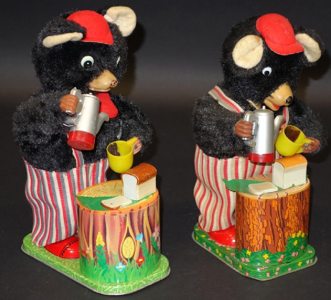 JAPANESE BATTERY OP BEAR TOYS (2)