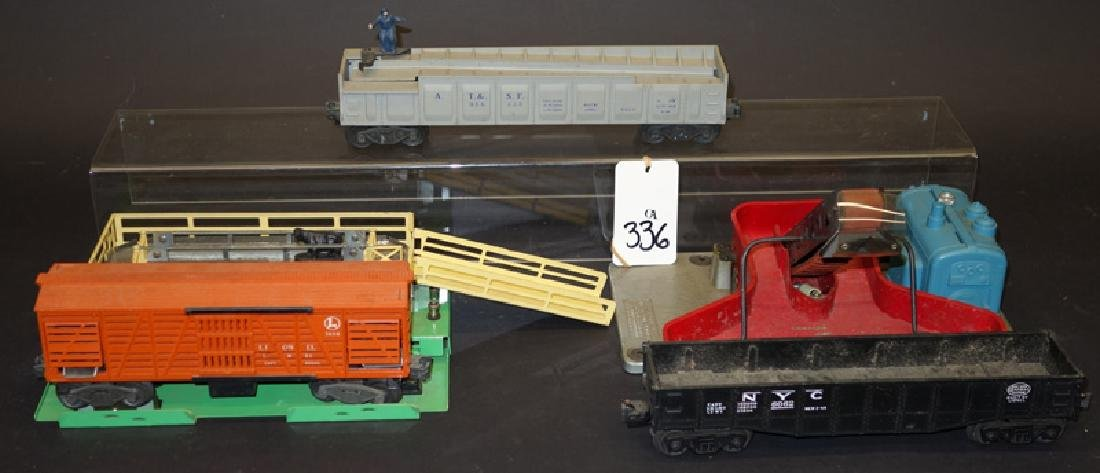 LIONEL TRAIN CARS and ACCESSORIES (6) PCS.