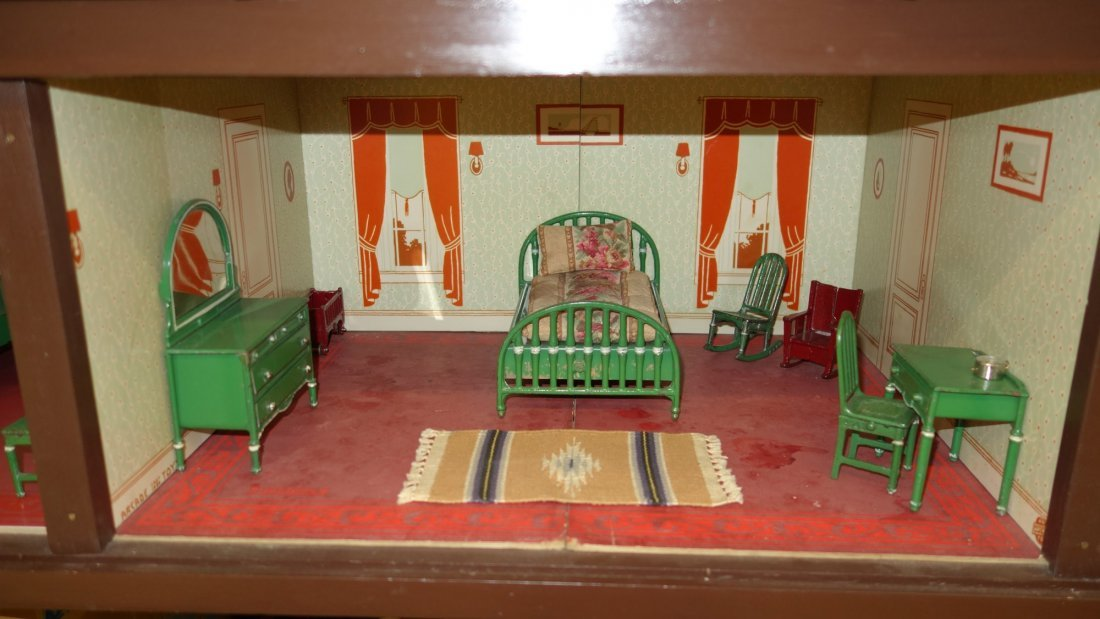 ARCADE DOLL HOUSE AND FURNITURE - 6