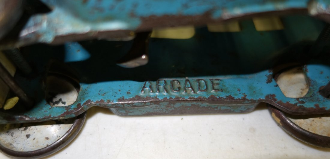ARCADE CAB - 9