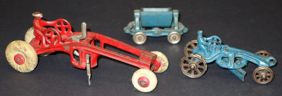 TOY ROAD SCRAPERS & TRAILER