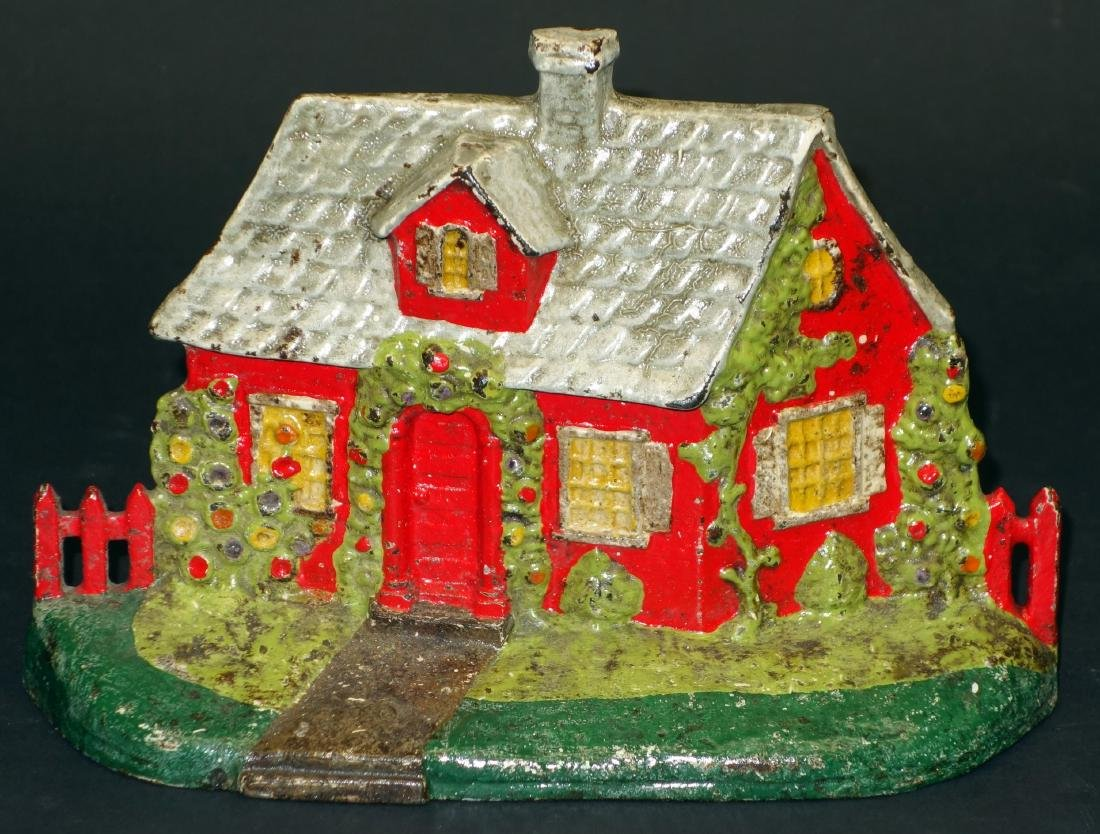 COTTAGE WITH FENCE DOORSTOP