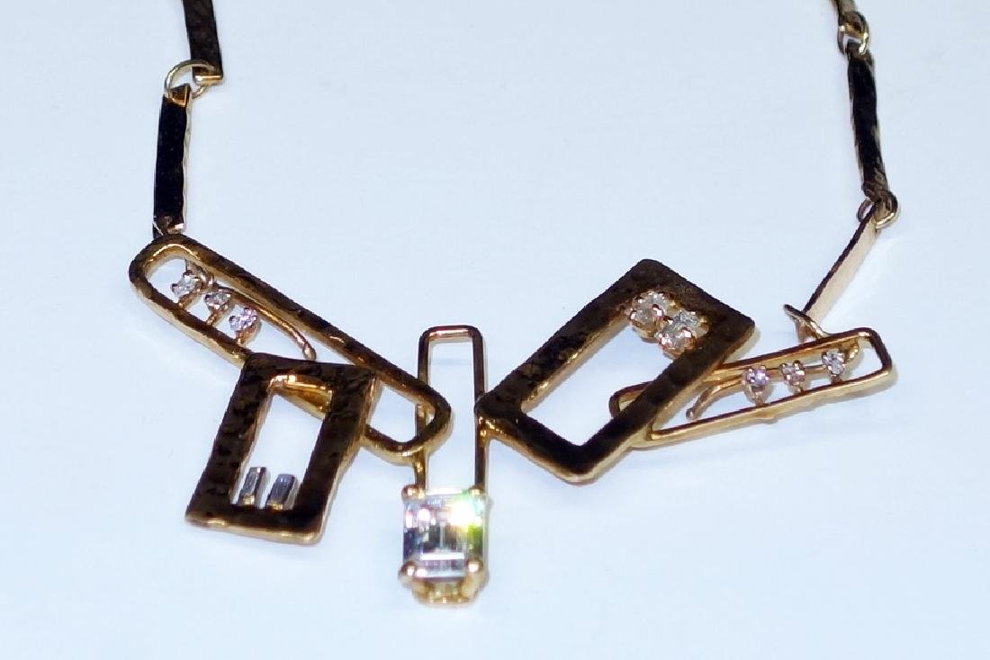 14K GOLD CONTEMPORARY NECKLACE
