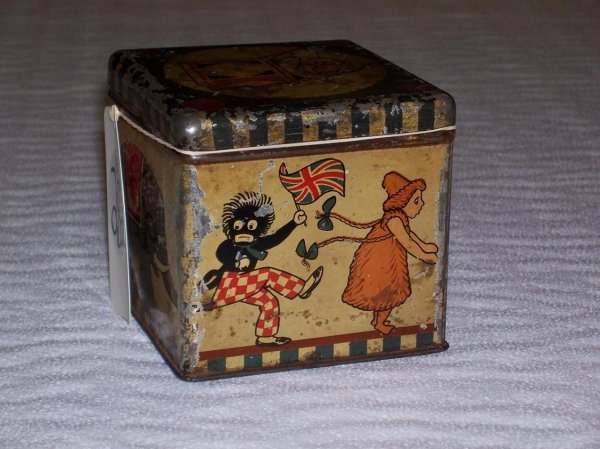 1282: BLACK AMERICANA GOLLIWOG BISCUIT TIN - 2