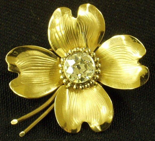 17: 14K GOLD & DIAMOND VINTAGE FLORAL PIN