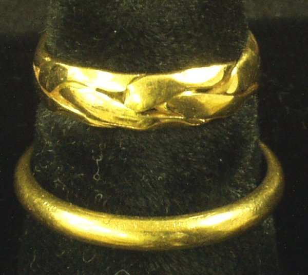 22: (2) 14K GOLD BANDS - RINGS