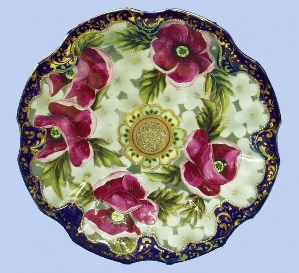 18: HANDPAINTED PORCELAIN NIPPON FLORAL PLATE