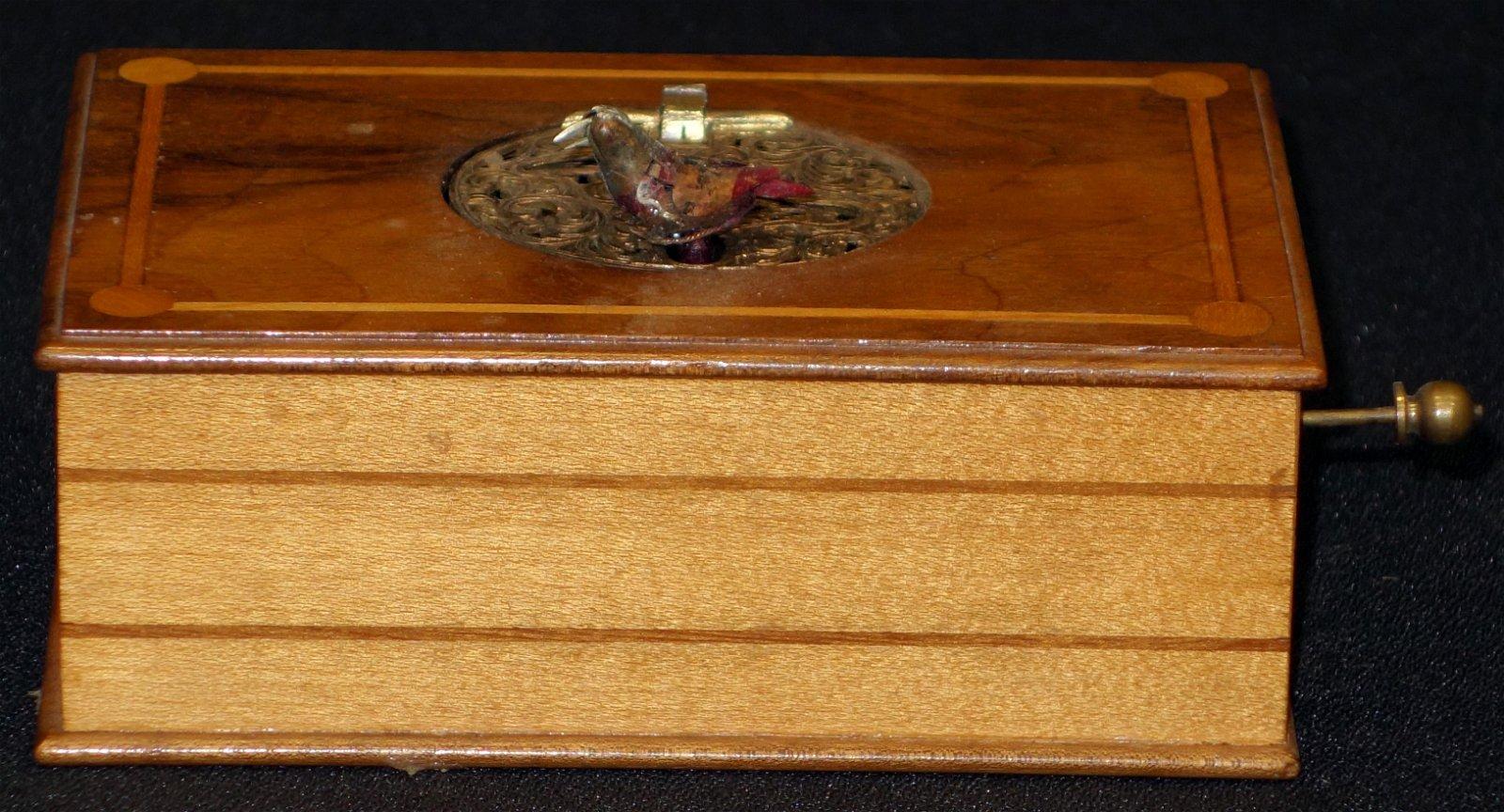 MECHANICAL BIRD BOX