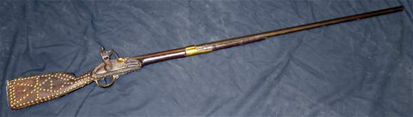 EARLY FLINTLOCK LONG GUN