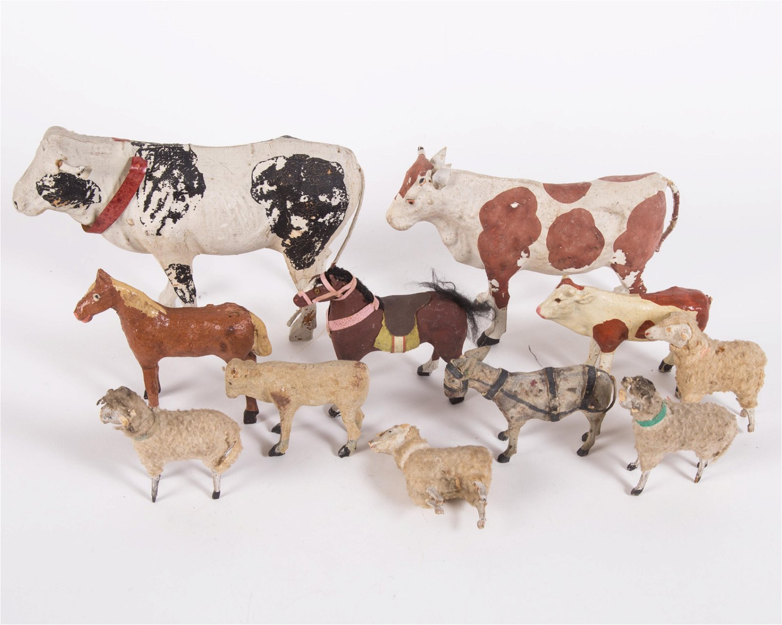 VINTAGE COMPOSITION ANIMALS & WOOLIES (11)