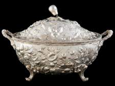 STERLING REPOUSSE SOUP BOAT