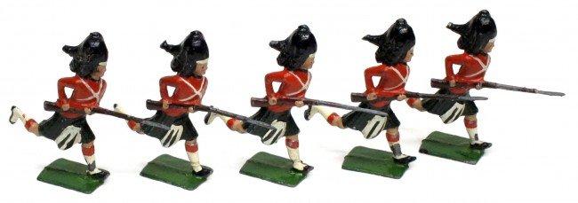 8: BRITAINS (5) CHARGING HIGHLANDERS