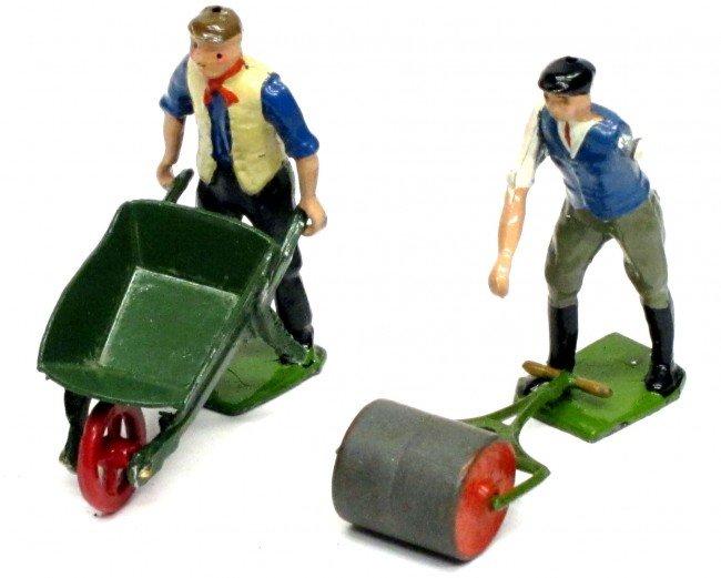16: BRITAINS (3) FARM FIGURES