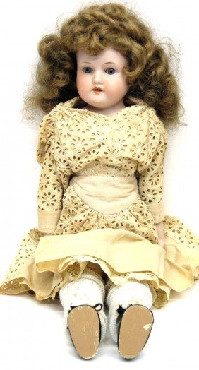 A.M. 370/0 BISQUE DOLL