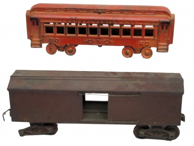 216: TOY TRAIN CARS