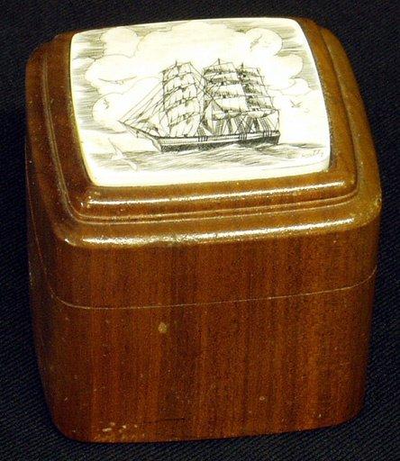 15: SCRIMSHAW Lid on Carved Wood Box