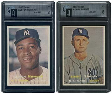 3038: 1957 GRADED TOPPS NEW YORK YANKEES 2 CARD LOT