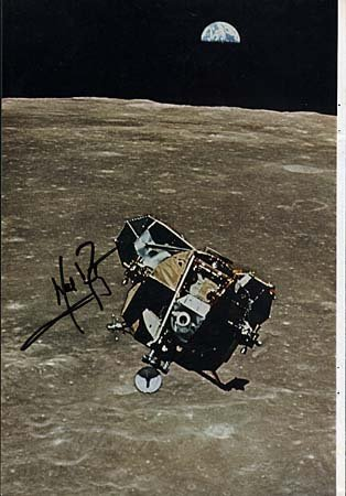 413: 1969 NEIL ARMSTRONG AUTOGRAPH