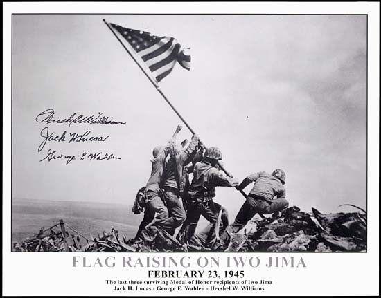 1437: 1945 FLAG RAISING ON IWO JIMA SIGNED PHOTO
