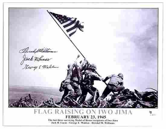 1142: 1945 FLAG RAISING ON IWO JIMA SIGNED PHOTO