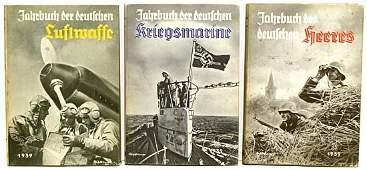 3573 1939 GERMAN MILITARY YEAR BOOKS BOXED SET