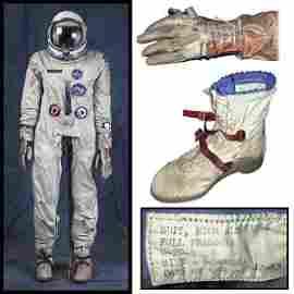 102: 1960s GEMINI G-2C SPACESUIT, HELMET, GLOVES & BOOT