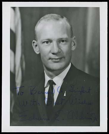 628: 1969 EDWIN E. ALDRIN, JR. AUTOGRAPHED ITEMS