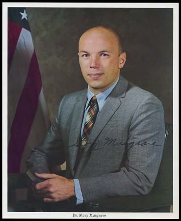 645: 1970  STORY MUSGRAVE AUTOGRAPHED ITEMS