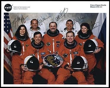 595: STS-101/COMPLETE CREW SIGNED LITHOGRAPH