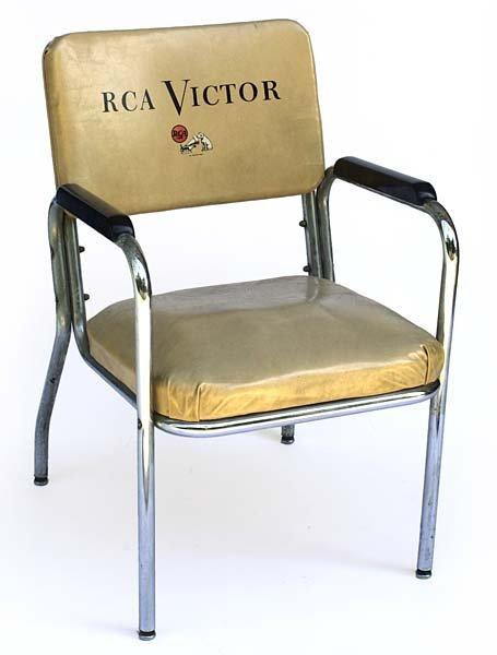 sc 1 st  LiveAuctioneers & 8: 1956 ELVISu0027 PERSONAL RCA VICTOR CHAIR