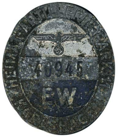 598: c.1943 GERMANY METAL UNIT BADGE