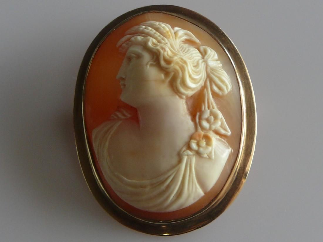 Victorian 10k Gold Cameo