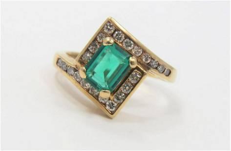 14K Gold Natural Emerald and Diamond Ring